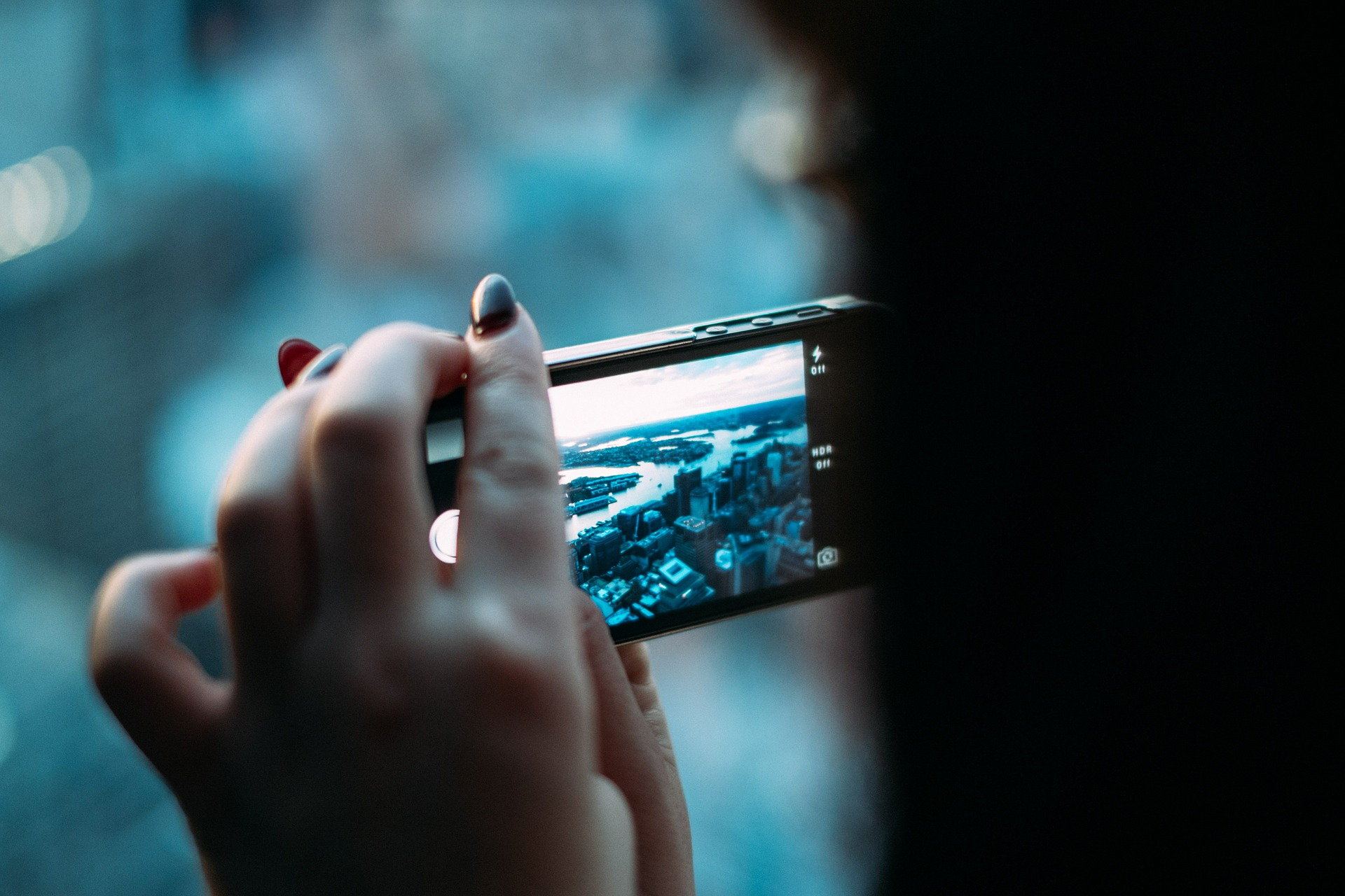 smartphone-g0b9ae4bce_1920