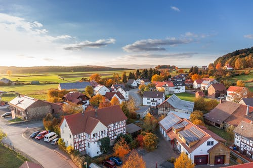 vesnice město